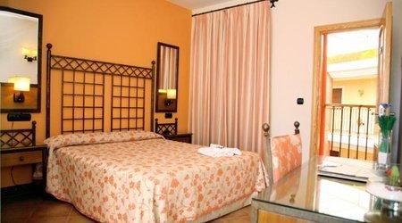 Habitación doble Hotel ELE Santa Bárbara Sevilla