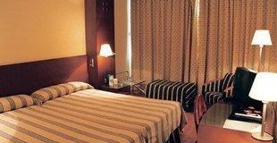 HABITACIÓN TRIPLE ESTÁNDAR Hotel ATH Gran Hotel Samil