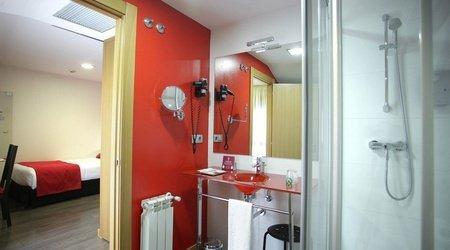 Baño habitación individual ELE Enara Boutique Hotel