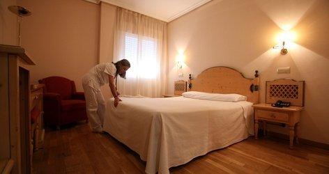 HABITACIÓN DOBLE (3 ADULTOS) Hotel ELE Cañada Real Plasencia